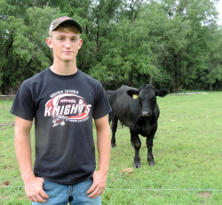 High school student gets business advice from Northeast ag students