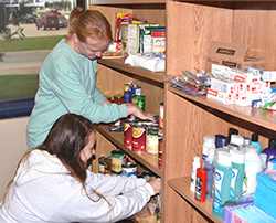 TRIO students assist in moving campus food pantry